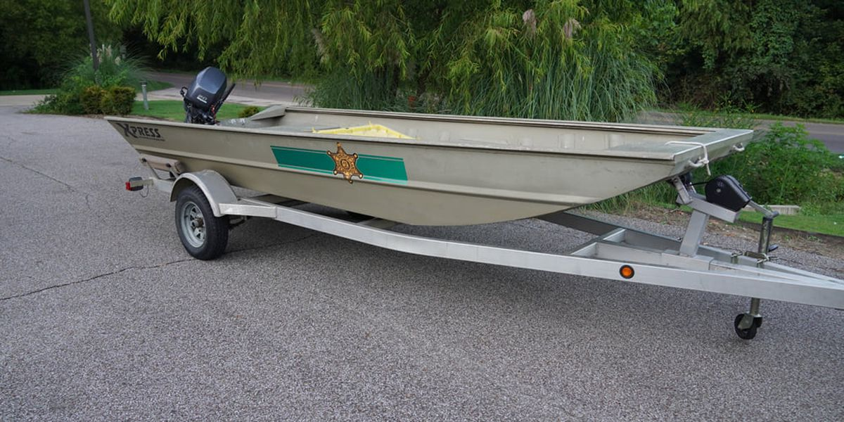 SCSO stowing rescue boats at fire stations