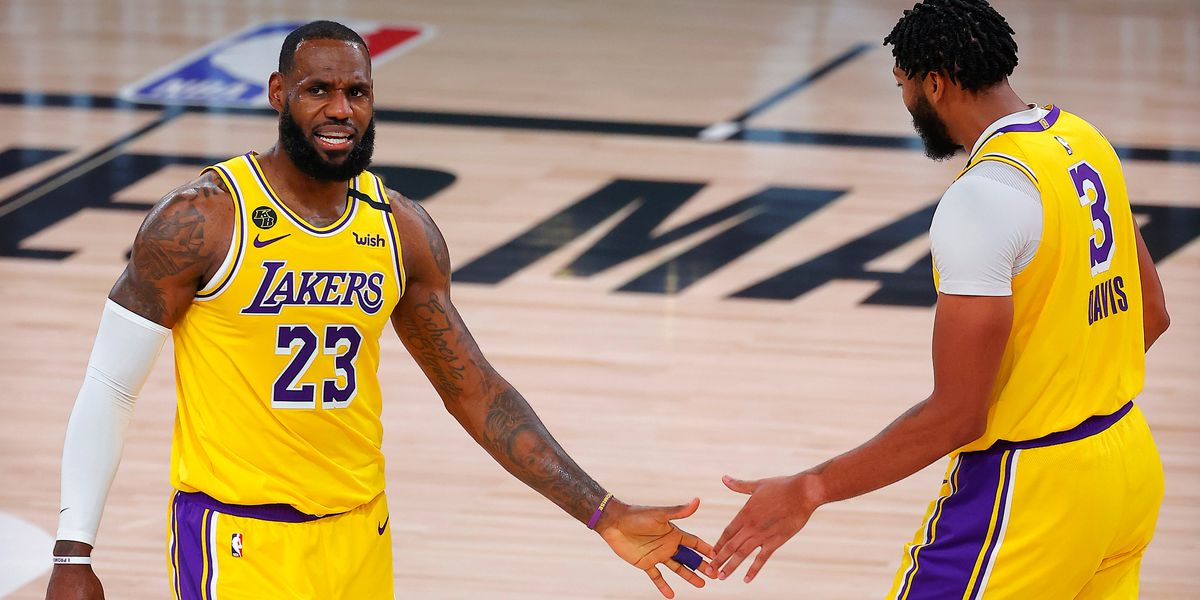 LeBron James, other Lakers wear altered MAGA hats in honor of Breonna Taylor