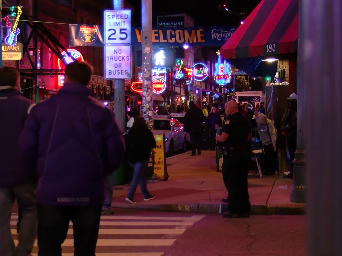 Visitors missing live music on Beale Street, some businesses remain closed