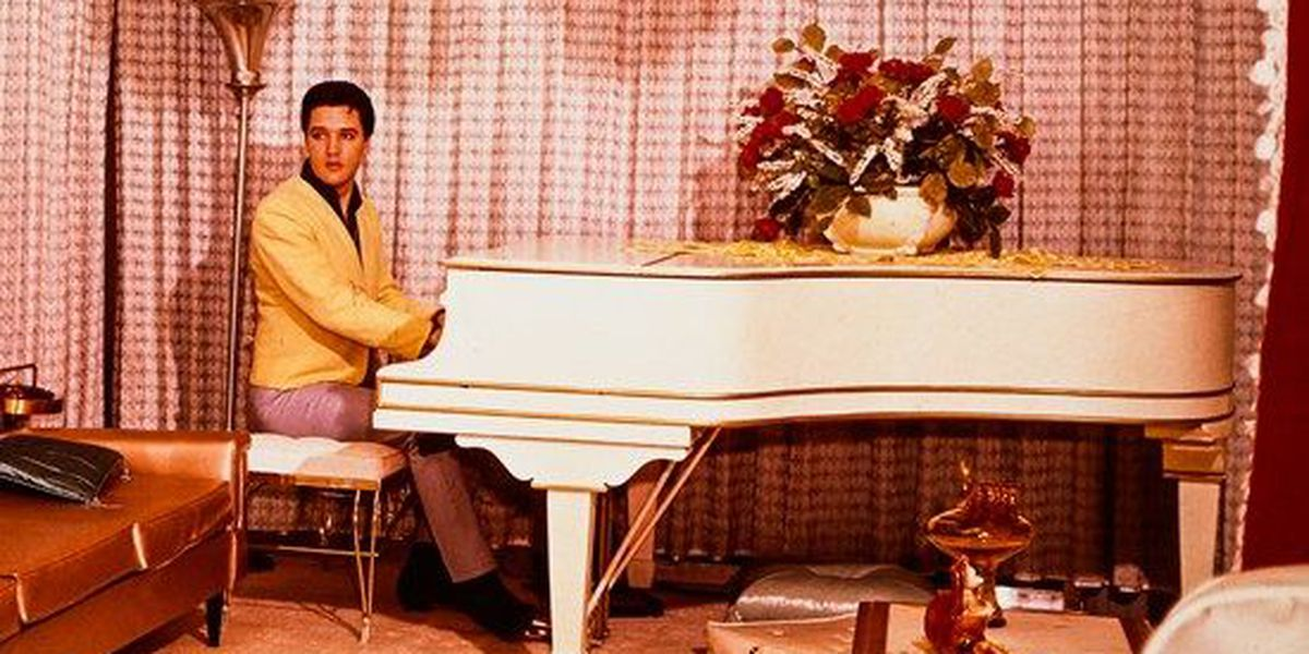 Elvis' piano returns to Graceland 49 years later