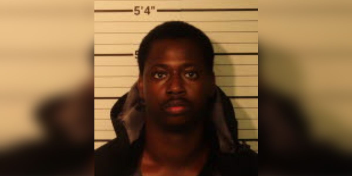 Police: Man arrested after pistol-whipping, shooting victim during robbery
