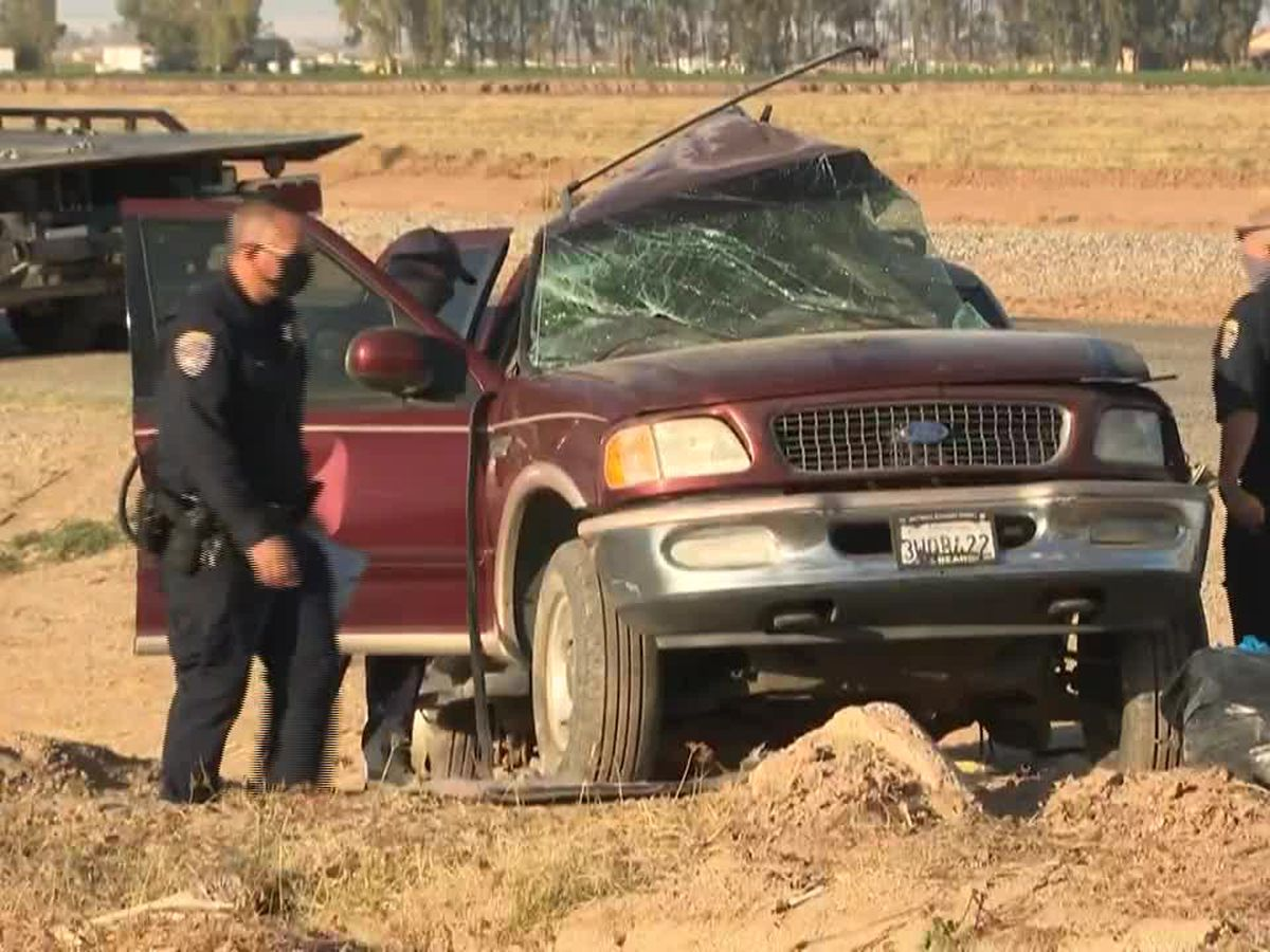 AP Exclusive: SUV in deadly Calif. crash came through hole in border fence