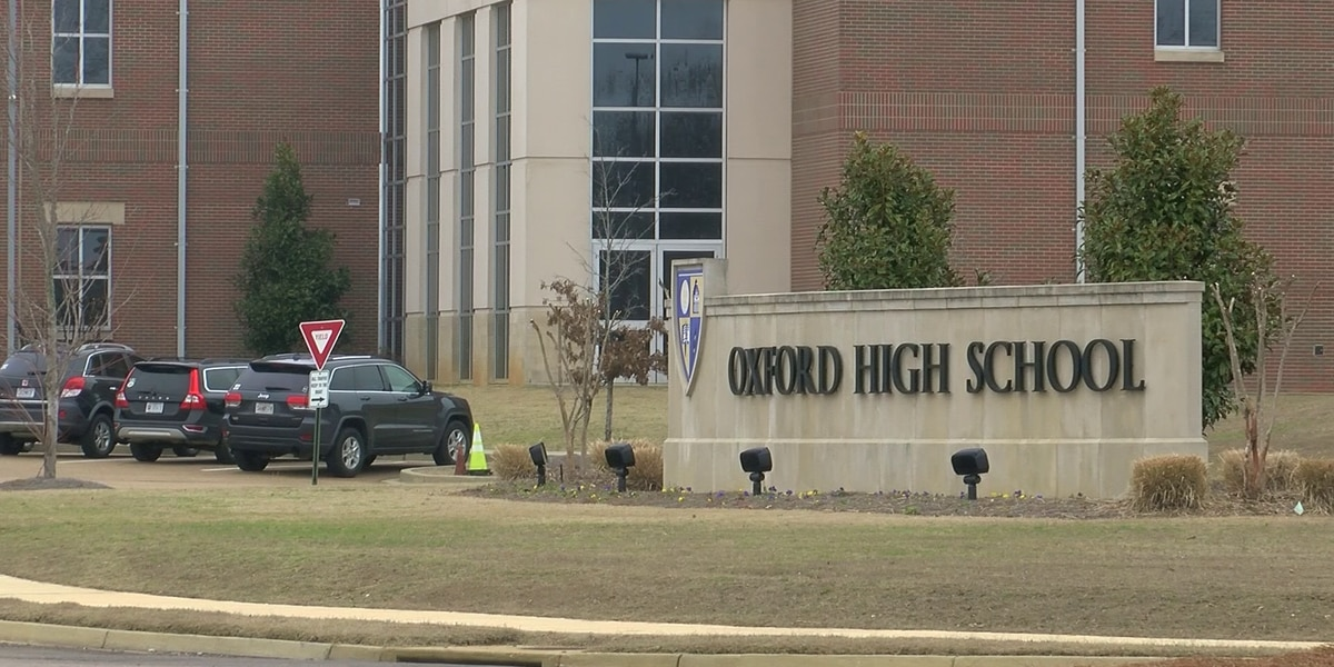 Oxford School District considers detectors to curb vaping