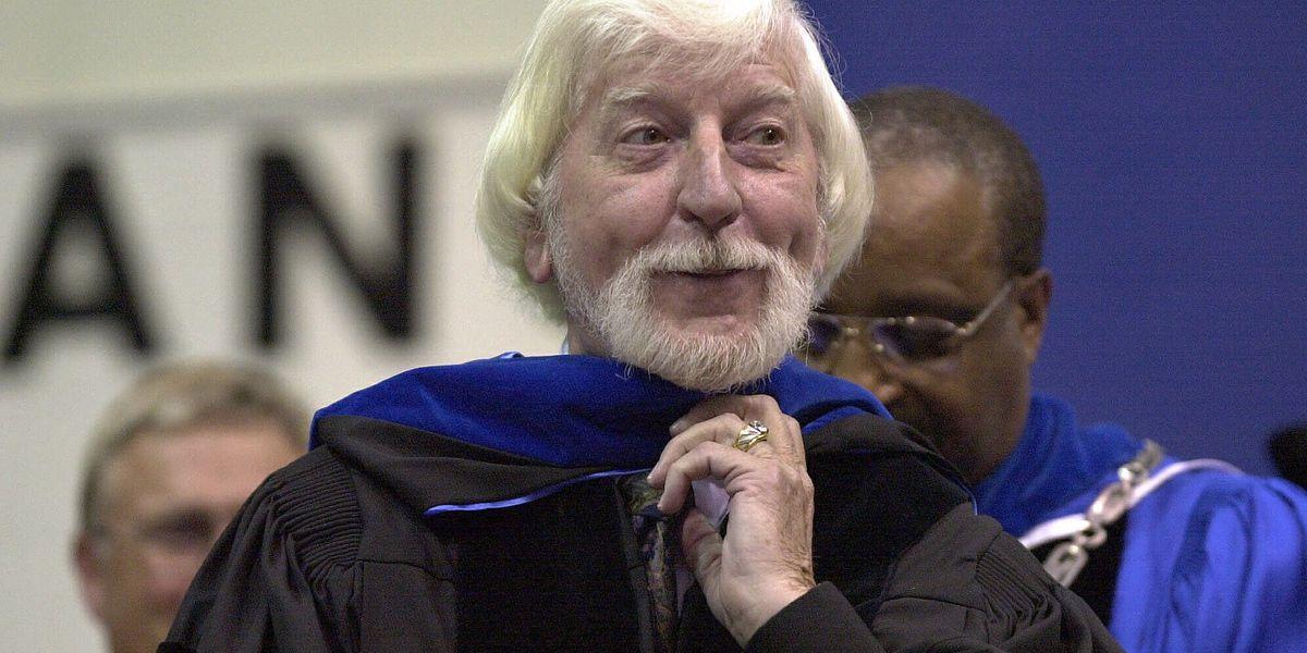Sesame Street puppeteer Carroll Spinney dies at age 85