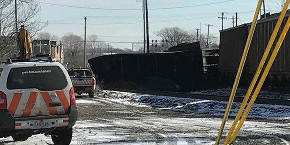 Train derails south of Downtown Memphis