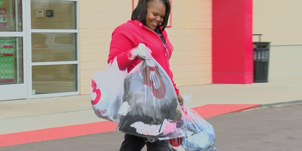 Memphis families surprised with paid off layaway balances