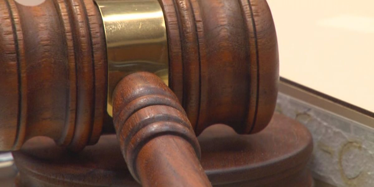 Man pleads guilty to attempted arson of officer's vehicle
