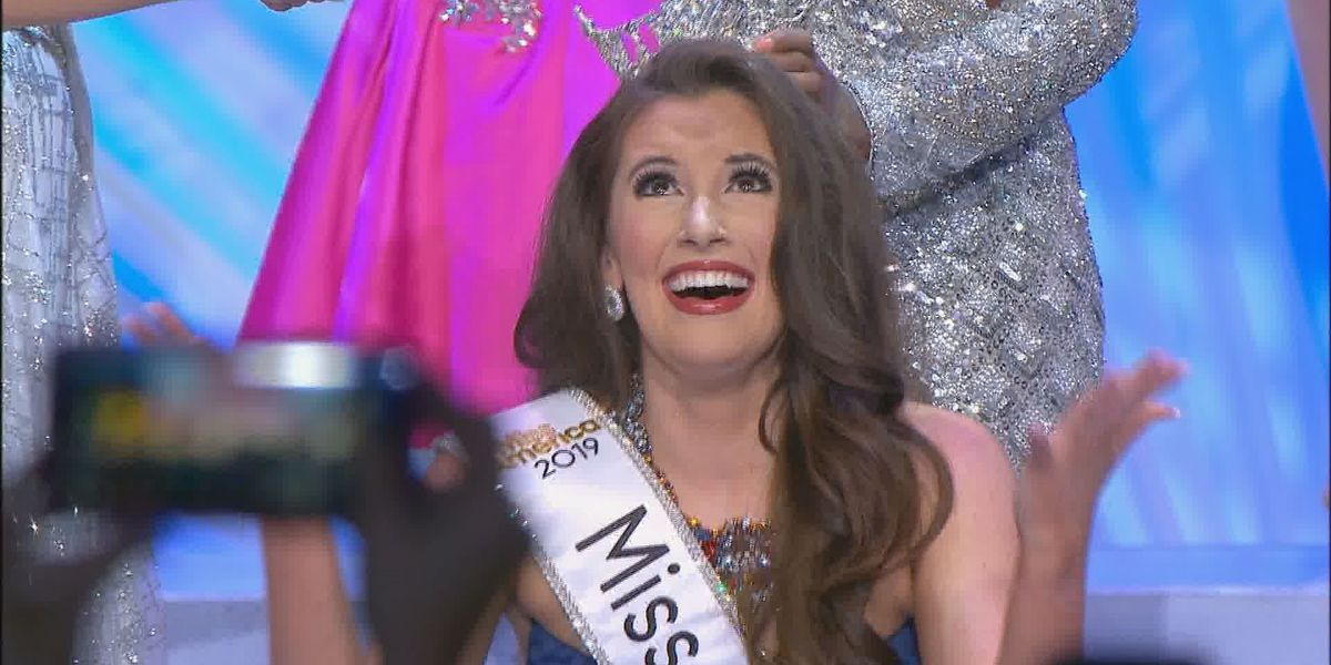 Mary Margaret Hyer is crowned Miss Mississippi 2019