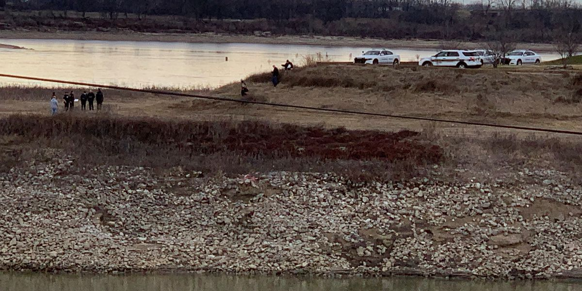 MPD: Landscaping crew finds human bones on Mud Island