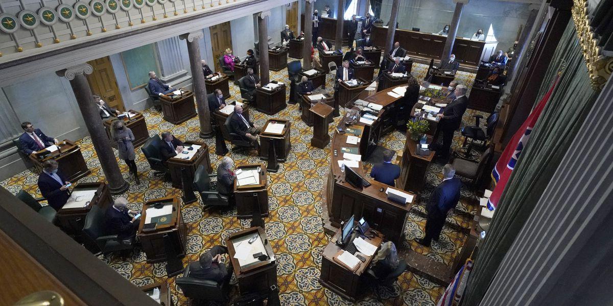 Tennessee Senate OKs anti-trans athlete bill