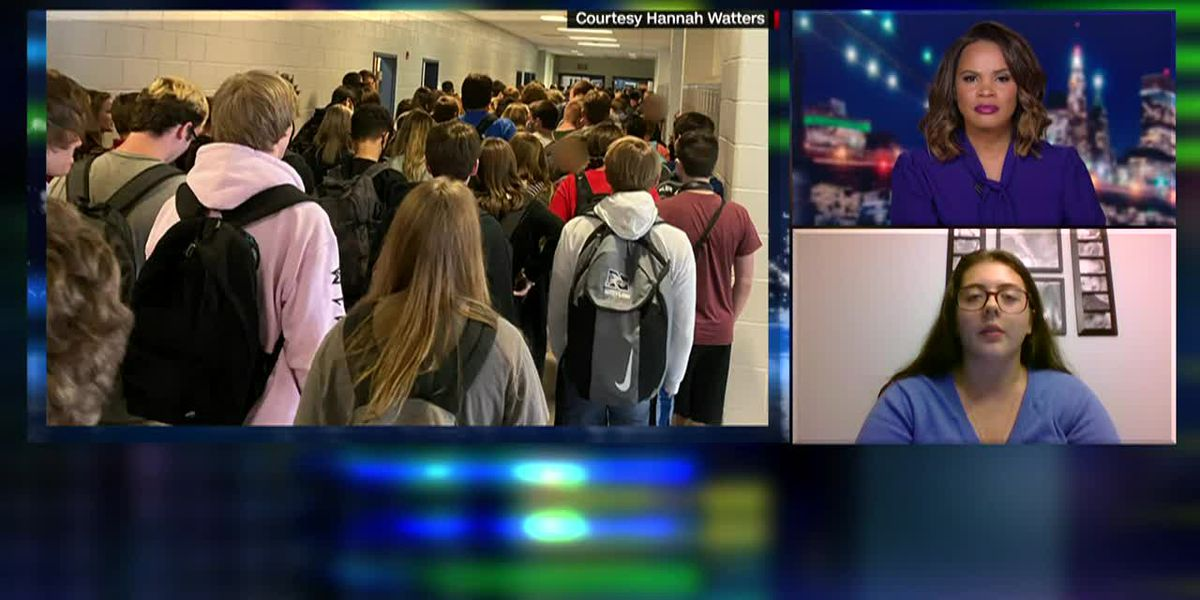 Georgia high school student punished for crowded hallways picture