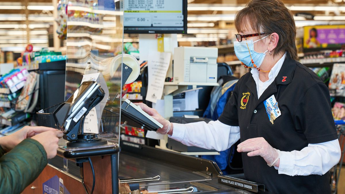 Kroger cashiers to stop giving customers coin change