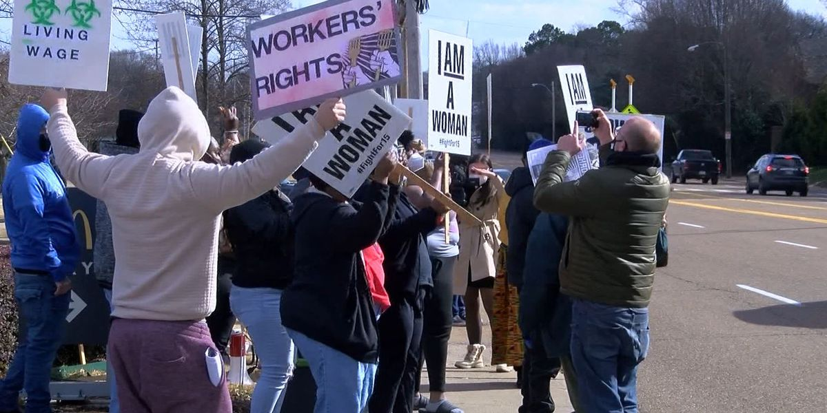 Fight for $15: Memphis fast-food workers push for minimum wage increase