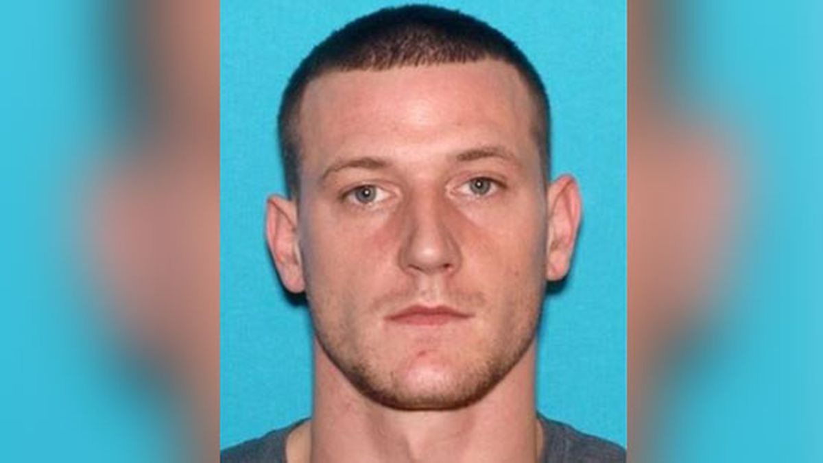 Deputies searching area around I-55 in DeSoto County for wanted man