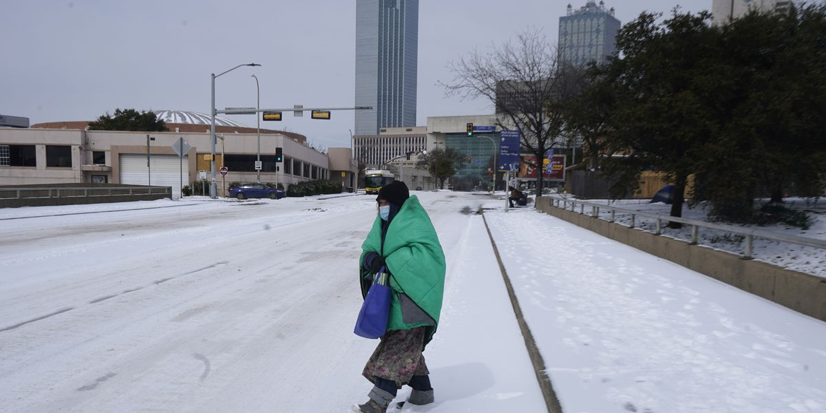 Downtown residents navigate second round of snow in the Bluff City
