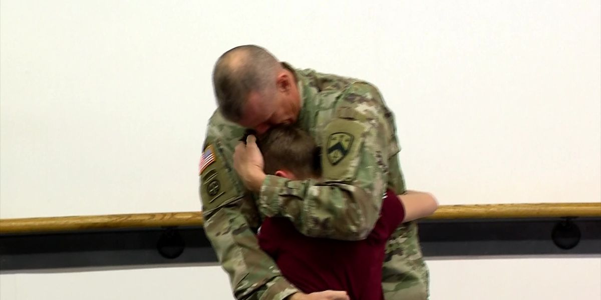Deployed Tennessee dad comes home early, surprises son