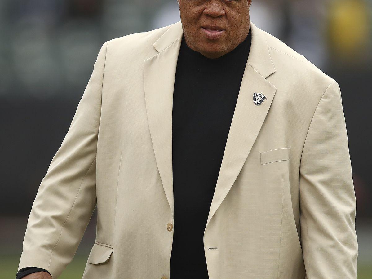 AP source: Raiders fire GM Reggie McKenzie