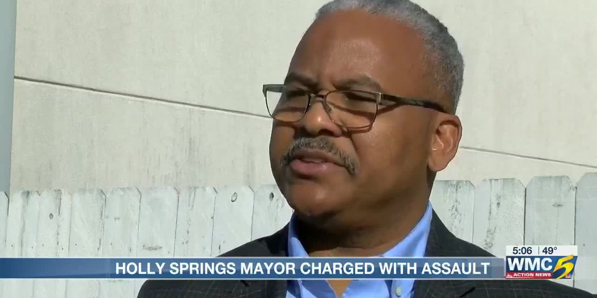Mid-South mayor accused of assaulting resident outside City Hall