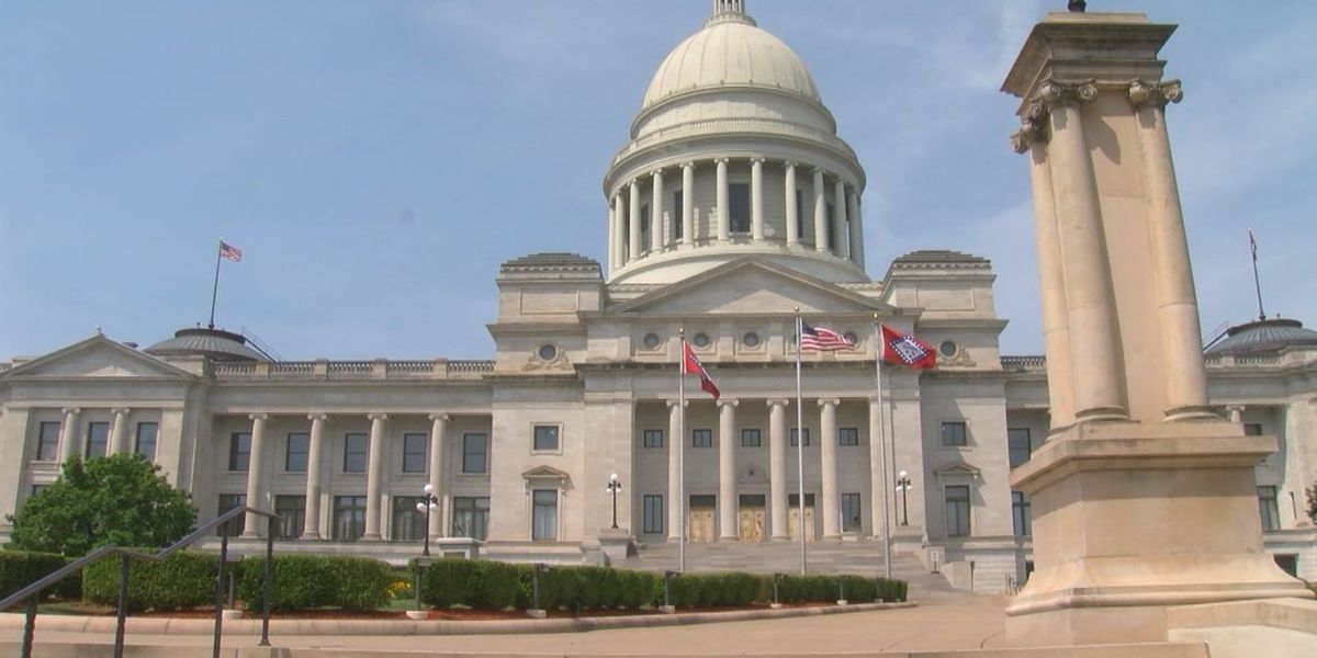 Arkansas governor reworks plan to cut top income tax rate