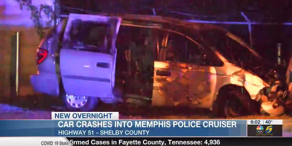 Vehicle crashes into Memphis police cruiser