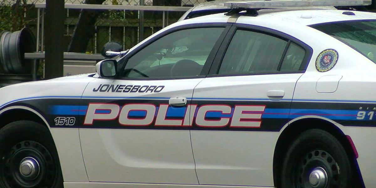One killed in Jonesboro crash