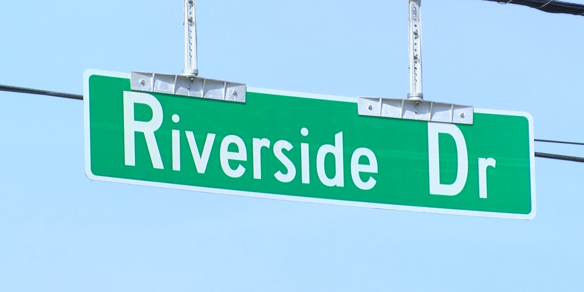 Riverside Drive bustling with construction, transformation of Tom Lee Park still underway