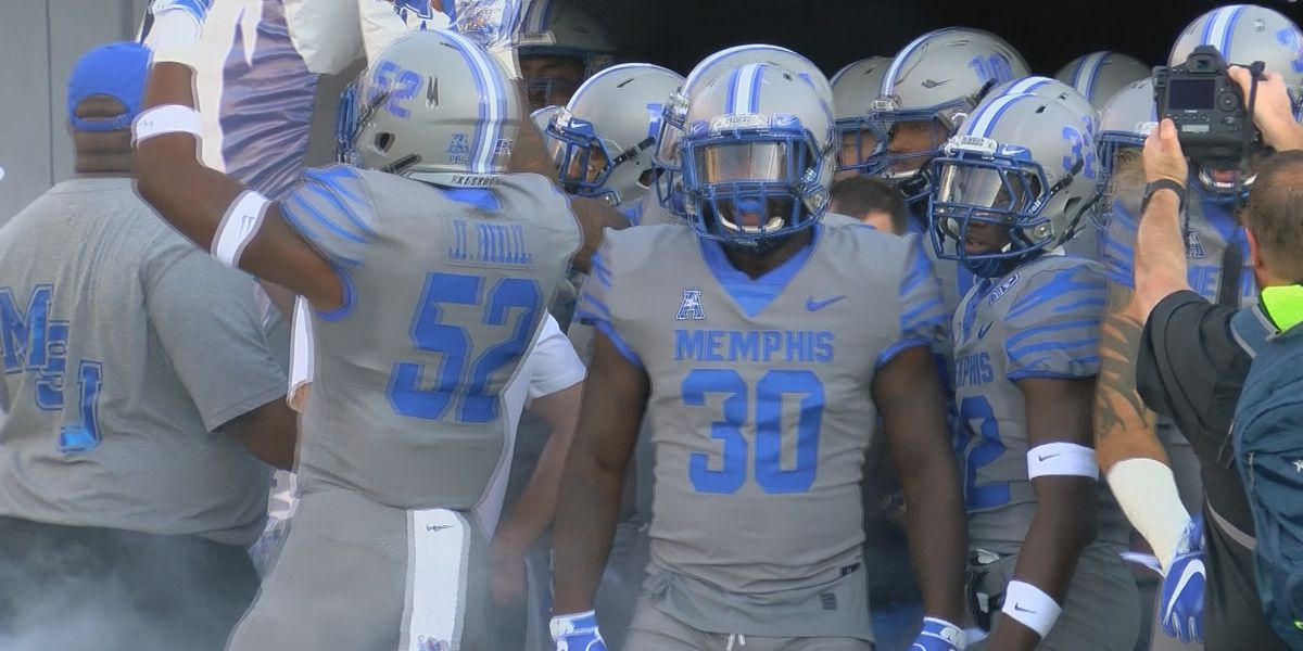 White throws for 5 TDs, Memphis breezes by Georgia State