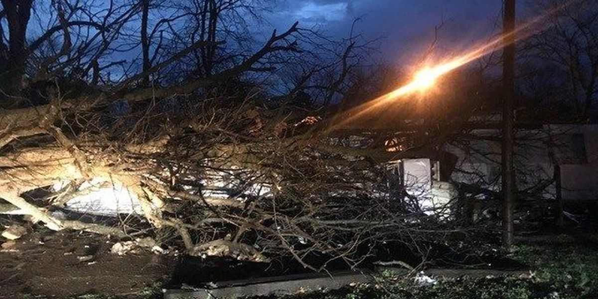 Rain lingers after severe weather moves out of Mid-South
