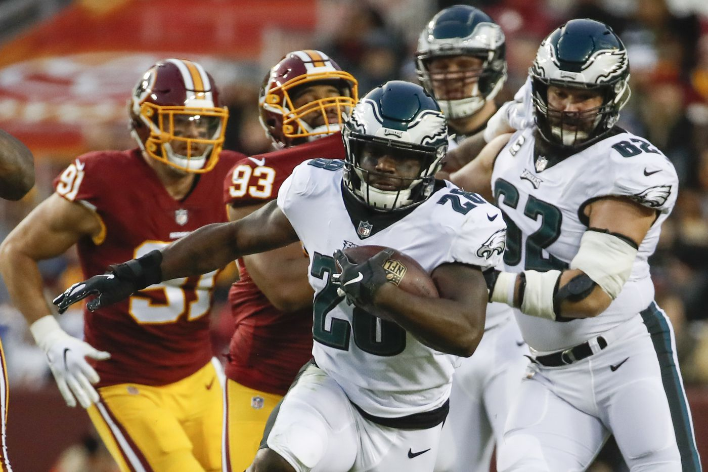 b4c8d9da4 Philadelphia Eagles running back Wendell Smallwood (28) carries the ball  during the first half