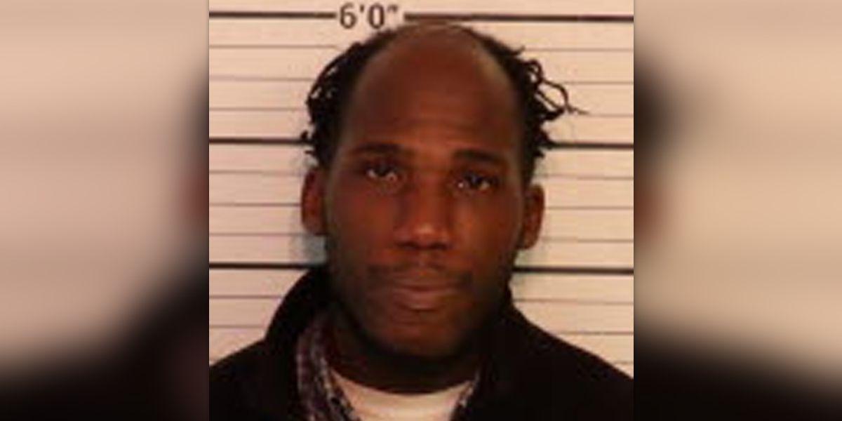 Affidavit: Man fondles woman inside downtown Memphis business