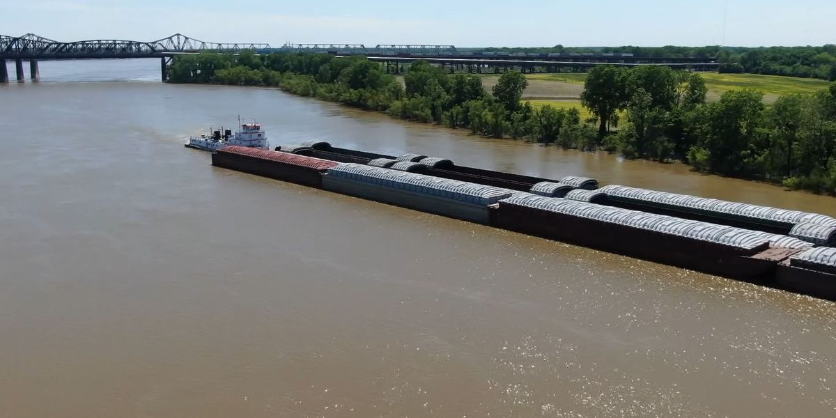 1,058 barges now stopped due to I-40 bridge closure