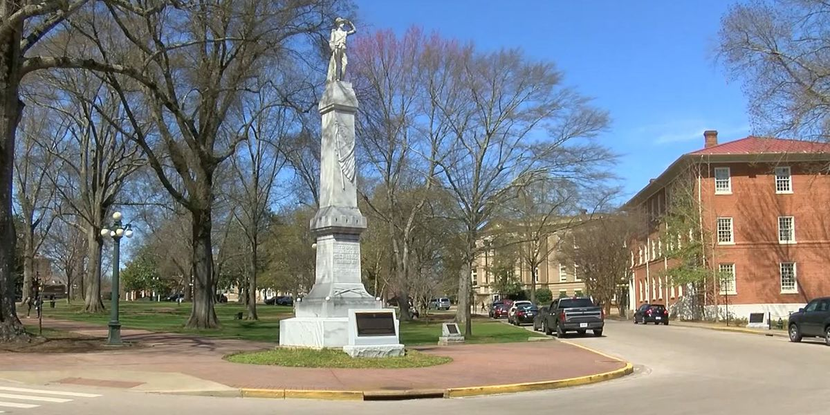 Confederate statue on Ole Miss campus moved to Confederate Cemetery on campus