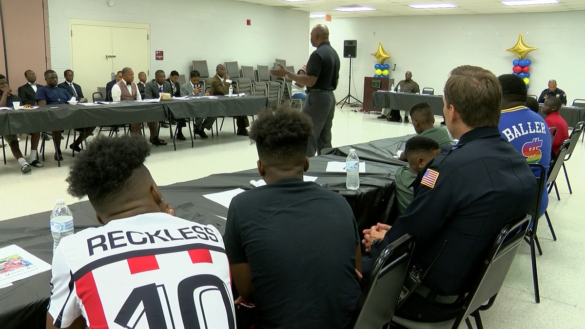 Community leaders speak at 'Boys 2 Men' event focused on black youth