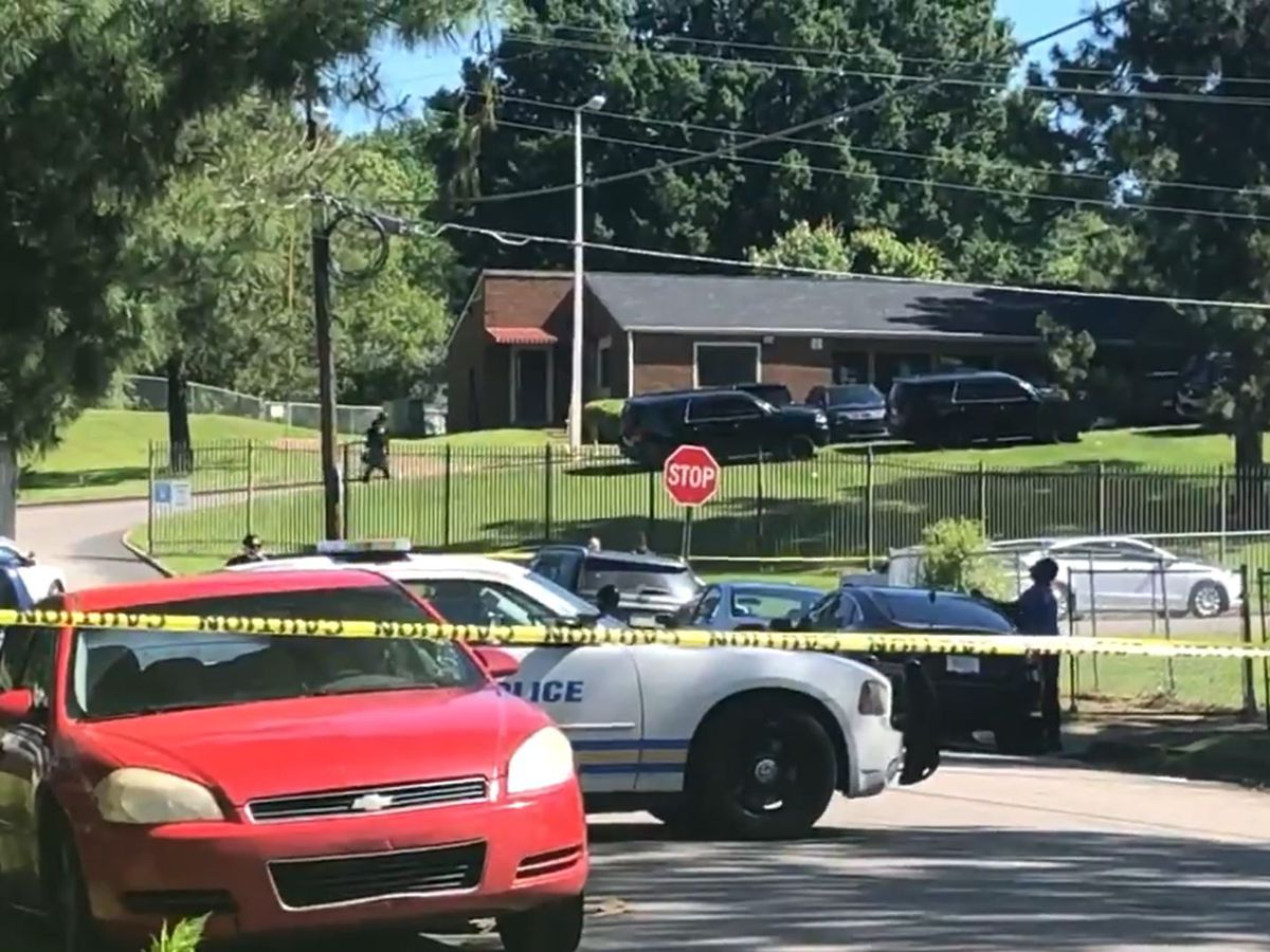 Police: Murder suspect barricaded inside Memphis apartment