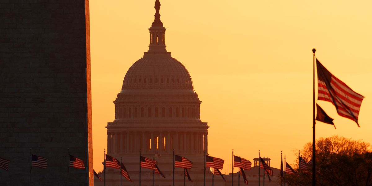 U.S Capitol on lockdown due to security threats, 1 driver, officer killed