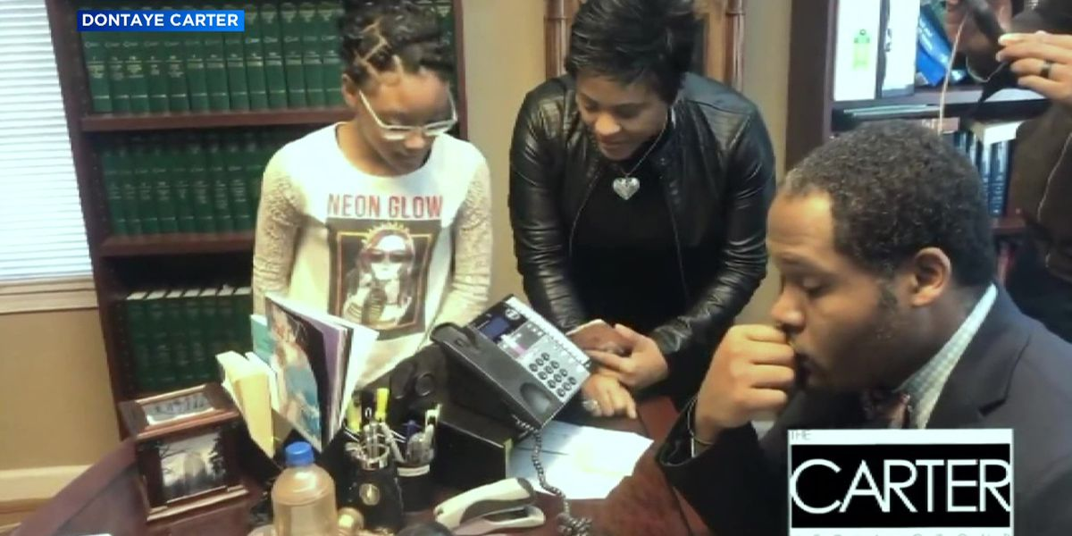 R. Kelly's girlfriend speaks to her family for first time in 2 years