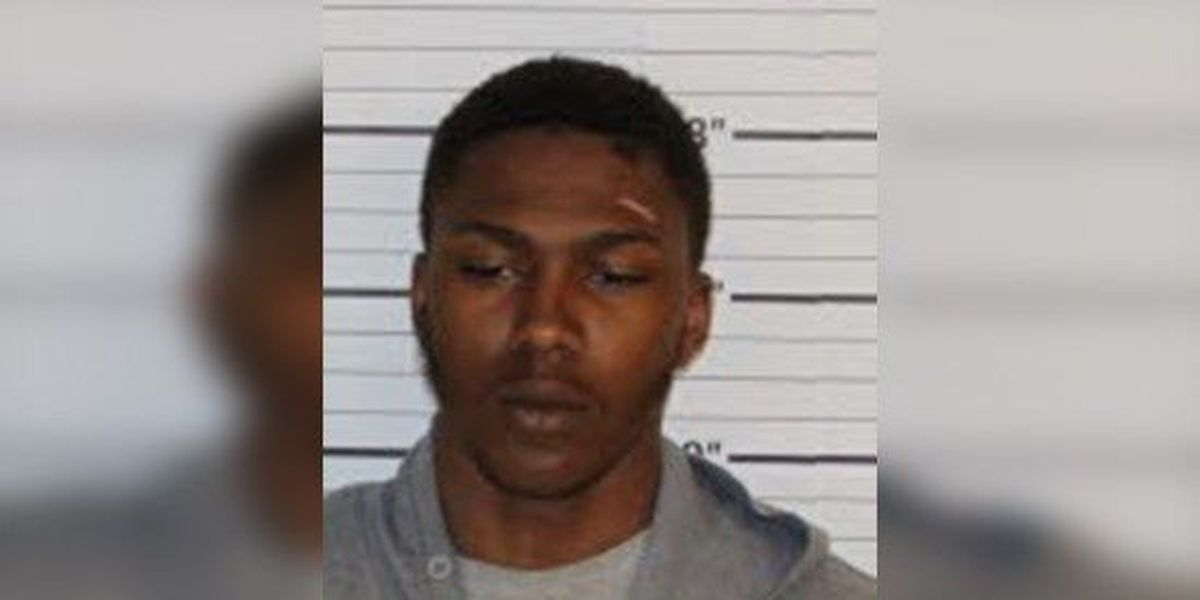 Mom turns son in for robbery, assault after seeing him on the news