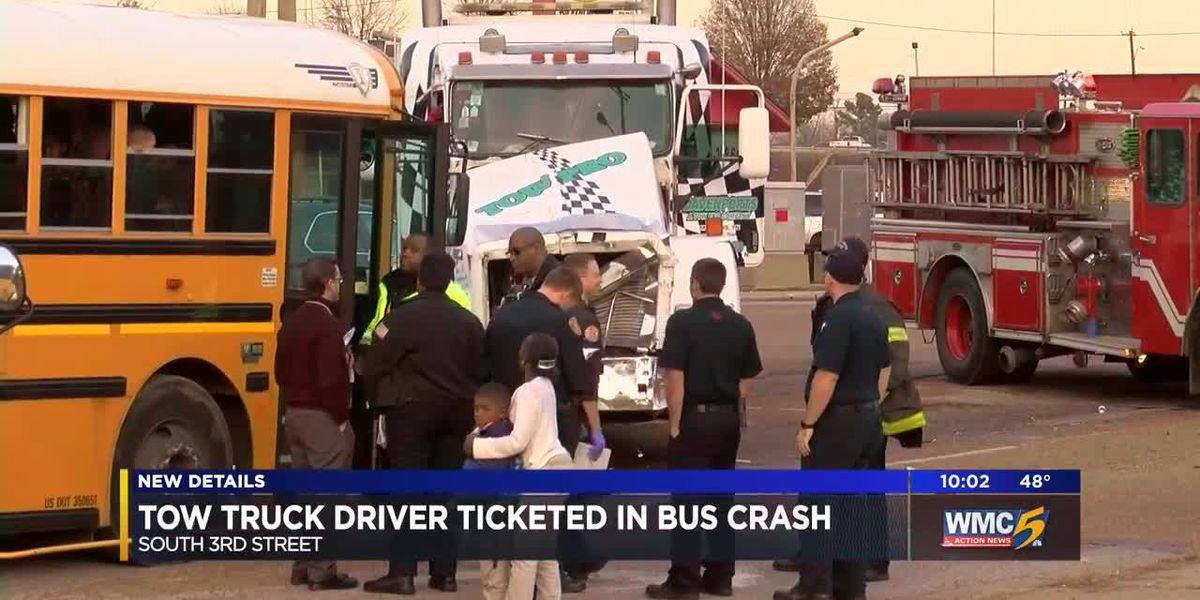 No injuries reported in multi-vehicle crash involving Memphis school bus