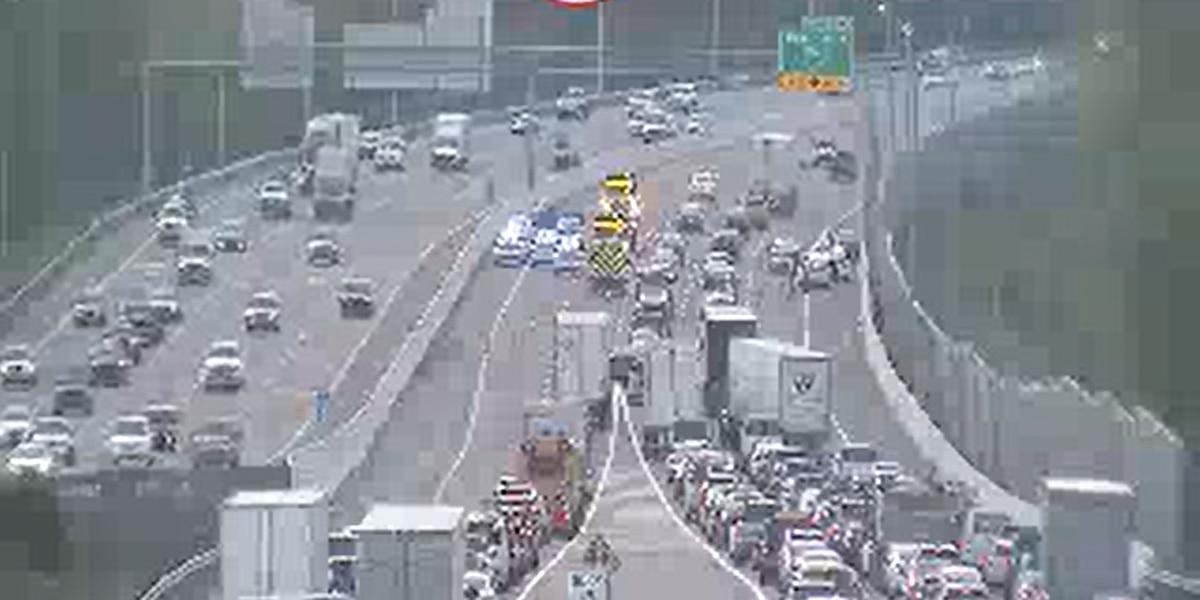 Traffic Alert: Memphis interstate crash causing big delays for morning commuters