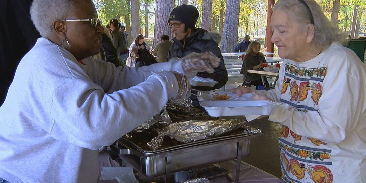 City of Memphis says annual Thanksgiving dinner for the homeless is back on after outpouring of support