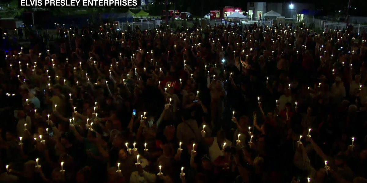 Candlelight vigil held remember to 'The King'