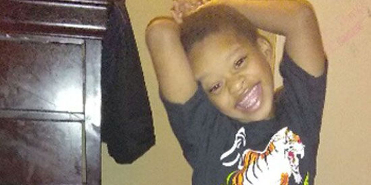 5-year-old dies after being left in van at children's health clinic
