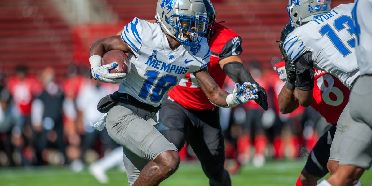 Memphis Tiger's wide receiver, Tahj Washington, FWAA All-American