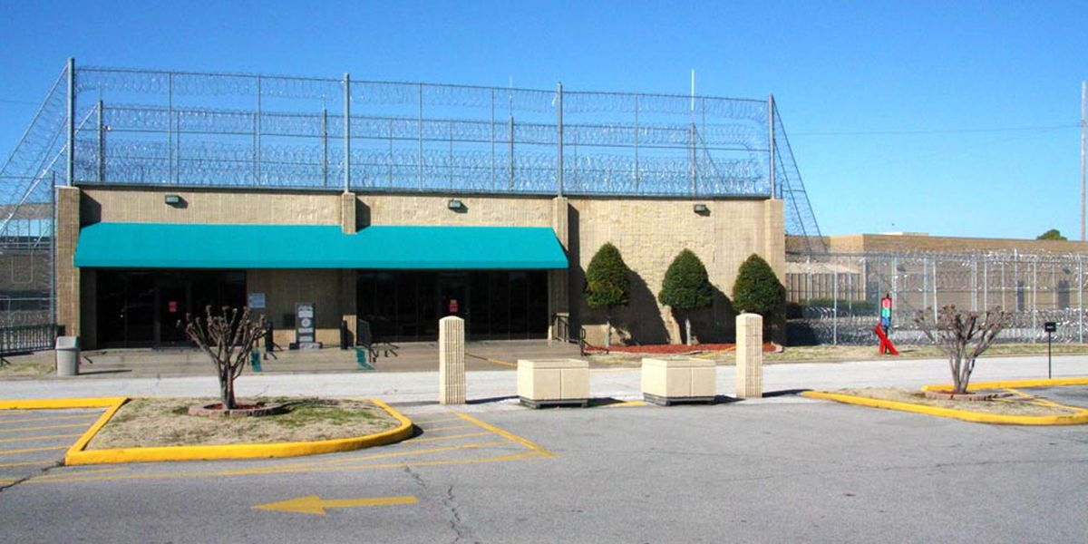 Number of inmates with COVID-19 at FCI Memphis increases