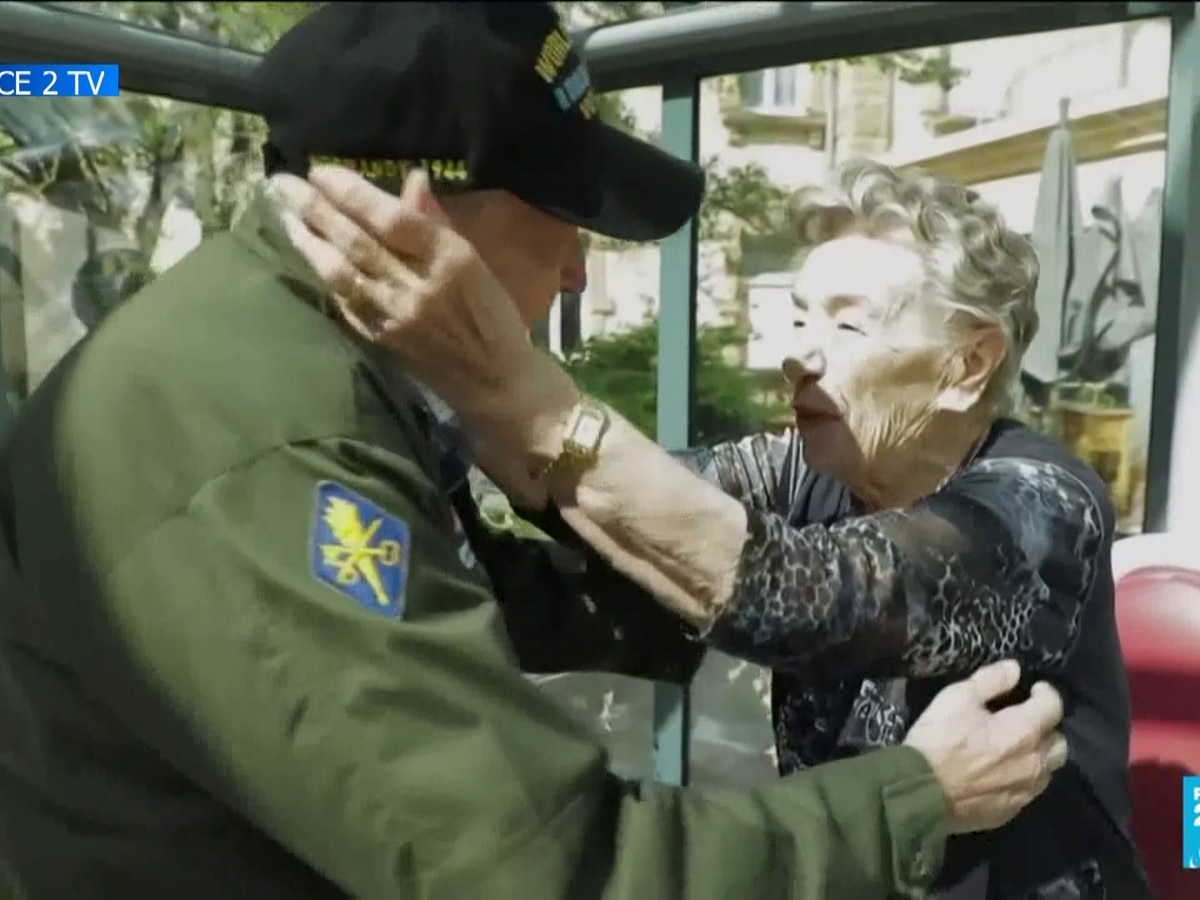 WWII veteran reunites with French love interest after 75 years