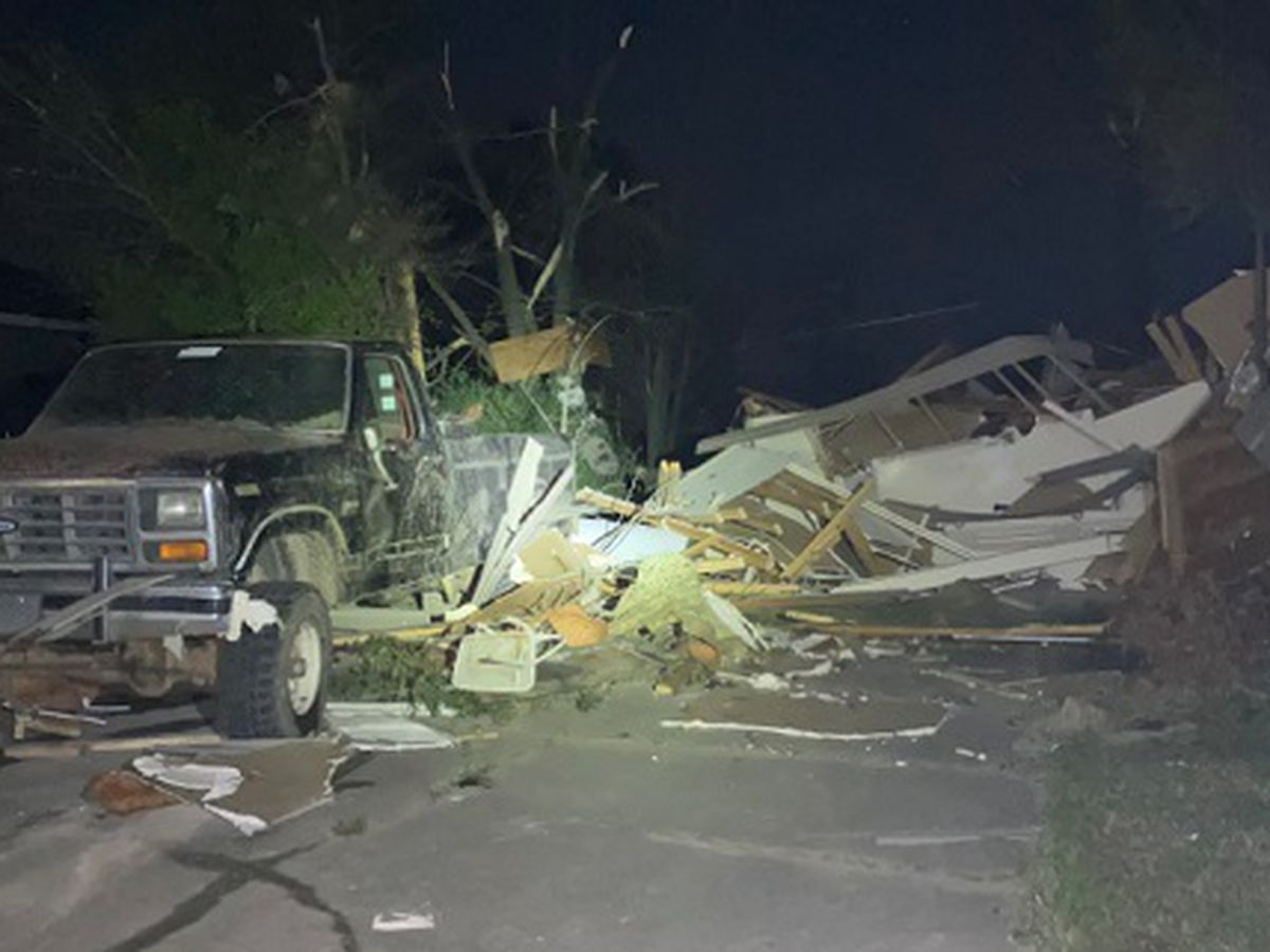 Emergency crews arrive to help Poinsett County; Sheriff asks residents to stay at home