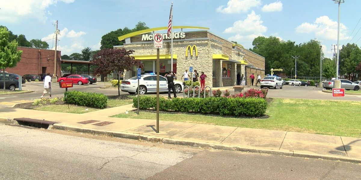 Man carrying daughter out of McDonald's shoots robbery suspect