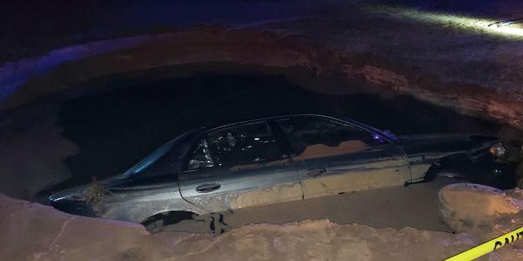 Drunken driver nearly drowns after crashing into fire hydrant, FL deputies say