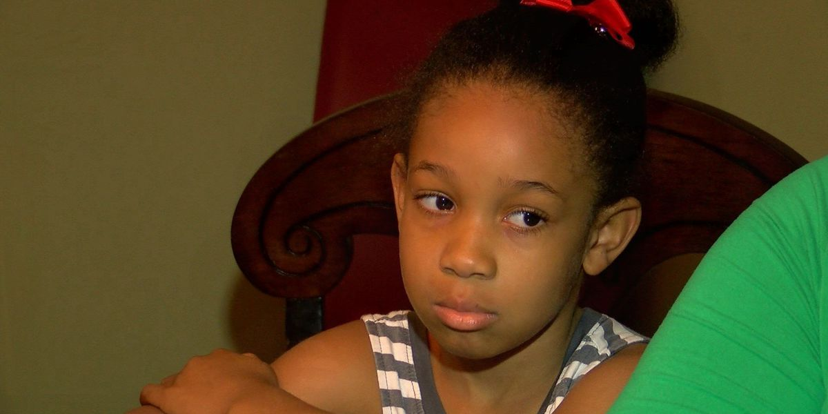 Mother: 5-year-old walked home alone; locked out of school