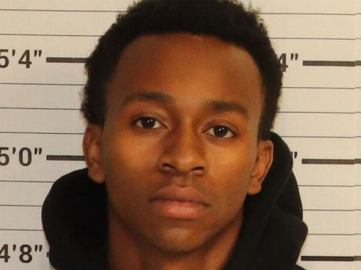 Suspect arrested after juveniles robbed at gunpoint in Shelby Co.